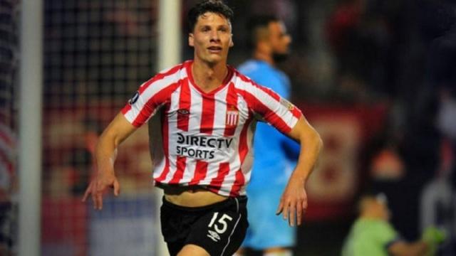 Trabzonspor'da transfer çalışmaları devam ederken gündemin ilk maddesi Arjantinli stoper Gaston Campi'den haber bekleniyor.