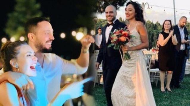 Aslı Enver'in sevgilisi Murat Boz, Boğaz manzaralı bir mekanda gerçekleşen düğün törenine ailesi ile birlikte katıldı.