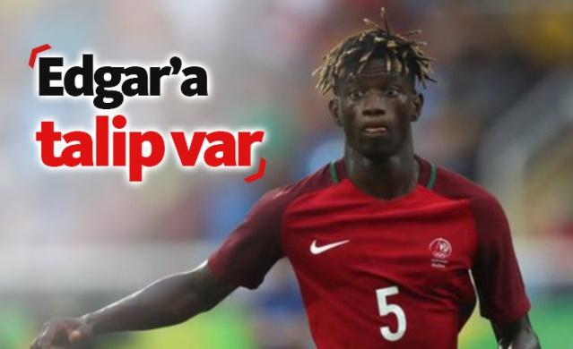 Trabzonspor'un Yusuf Yazıcı'ya karşılık Lille'den takasla aldığı Edgar Ie'ye talipler artıyor.
