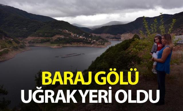 Baraj gölü birçok kişinin uğrak yeri oldu.