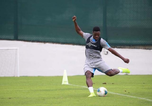 Trabzonspor, Süper Lig'in 4. haftasında sahasında Gençlerbirliği ile yapacağı maçın hazırlıklarını sürdürdü.