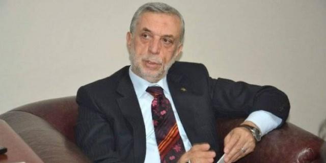 """ASIM AYKAN YOĞUN MU YOĞUN  Kamu Etik Kurulu'nda olan Trabzon eski Belediye Başkanı ve eski milletvekili Asım Aykan, buara çok yoğun.. En son Etik Kurulu üyesi olarak Almanya'da incelemelerde bulunup bunu rapor etti. Raporunda,  """"1-Alman okullarında 130 bin öğrencimiz var.30 bini yüksek öğrenimde. 2-Bir milyona yakın Suriyeli göçmen var.Türklerden sonra ikinci sıradalar. 3-Parlamentodaki 7parti gurubunun tümü Türkiye karşıtı. 4-Aşırı sağ her seçim gücünü artırıyor.Türkler birinci sırada hedef. 5-14 bin PKK militanı var.1300 diplomatik pasaportlu FETÖ üyesi var. 6-Eylemci PKK mensuplarının Türkiye'de yakalanması güçlerini kırmış. 7-Ülkemizin son yıllardaki hamlesi Almanları tedirgin etmiş. 8-çevre ve mimari kültürleri güzel,altyapıları eskimeye başlamış. 9-Almanya'yı ayakta tutan başta otomobil olmak üzere imalat sanayii. 10-Ortalama yaş 50,nitelikli eleman bulmakta zorlanıyorlar."""" Görüşlerine yer verdi. Bu görüşlerini daha detaylı dinlemek için kendisini aradık. Röportaj yapmak istiyoruz yakın bir zamanda size uygun olan anda ne dersiniz? Diye sorduk. Çünkü önemlidir konu. Trabzon ve çevre iller dahil Doğu Karadeniz Bölgesi'nde her aileden bir Almanya'ya göçen fert çıkar. Bu nedenle ALmanya konusu detaylıca irdelenmelidir. Bunun bir de gurbetçi boyutu varki daha da derinlemesine irdelenmelidir. Nasıl bu bölgeyi etkilediği toplumsal ve sosyal bakış çerçevesinde.. İşte röportaj isteğimiz bunlar içindi lakin Asım Aykan yoğundu. Biz aradığımızda Ankara'dan İstanbul'a geçiyordu. Yakında bir buluşma yapıp sorularımızı sormak isteriz."""