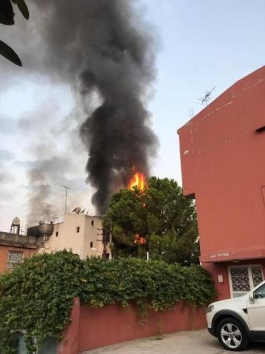 Polis ve itfaiye erlerinin çalışmalarını tamamlayıp, olay yerinden ayrılmasının ardından, saat 06.30 sıralarında bu kez binanın 3'üncü katından alevler yükselmeye başladı.
