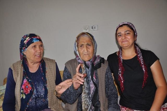 Osmaniye'nin Bahçe ilçesinde 2 Temmuz 1910 yılında dünyaya gelen Fatma Traş, Osmanlı Devleti'nin son dönemlerinde 2. Abdülhamit Han, Sultan Beşinci Mehmed Reşat ve Mehmet Vahdettin Han'ın sultanlığını gördü. Mustafa Kemal önderliğindeki Türkiye Cumhuriyeti Devleti'nin kuruluş döneminden günümüze kadar ise 12 cumhurbaşkanı ve 33 başbakan gören Fatma ninenin 6 çocuğu, 38 torunu, 3 de torununun çocuğu bulunuyor. En büyük torunu 55, en büyük çocuğu ise 81 yaşındaki Mehmet olan Fatma ninenin en küçük kızı Hatice 64 yaşında, en küçük torunu ise 19 yaşında bulunuyor.