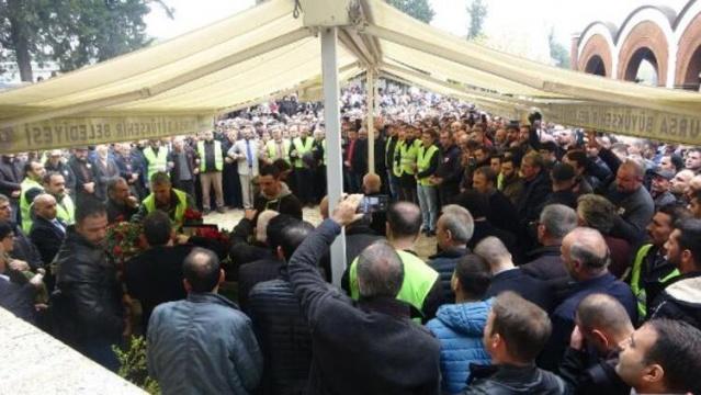'Sahte peygamber' İskender Erol Evrenosoğlu'nun cenazesine 3 bin kişi katıldı