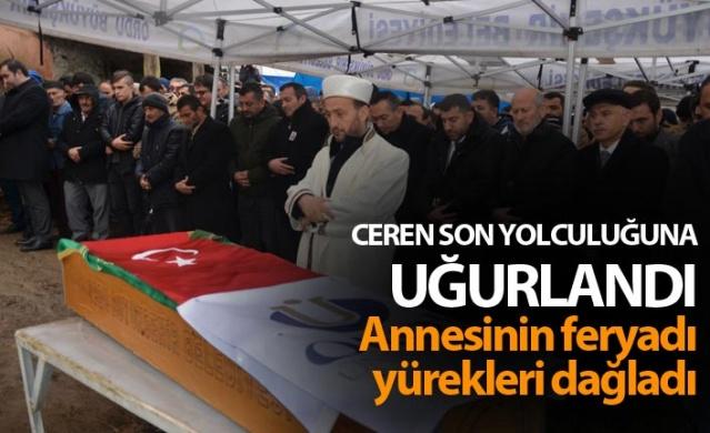 Ordu'da dün akşam saatlerinde evinin önünde bıçaklı saldırı sonrası öldürülen 20 yaşındaki Ceren Özdemir toprağa verildi.