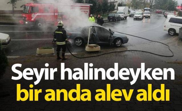 Rize'de seyir halindeki araç alev alev yandı