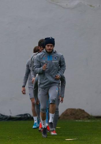 Trabzonspor antrenmanın ardından kampa girerek müsabaka saatini beklemeye başladı.