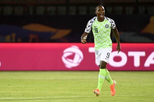 Manchester United'ın Çin'den transferi Odion Ighalo'nun coronavirüs virüsü taşımamasının kesinleşmesi için 14 günlük kuluçka döneminin geçmesinin beklendiği ve bu nedenle kulübün tesislerinin dışında antrenman yaptırıldığı ortaya çıktı.