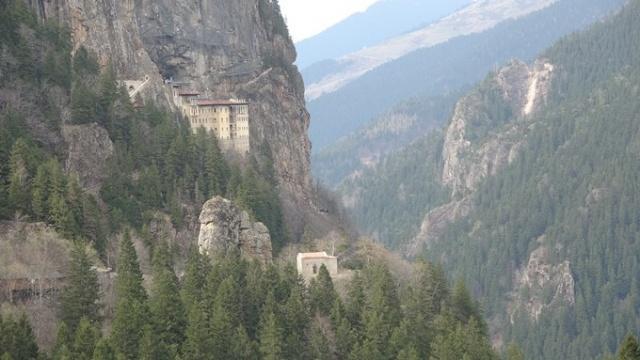 Sümela Manastırı'nda restorasyon çalışmaları yeniden başladı