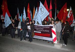 Öğrenciler YÖK'ü protesto etti