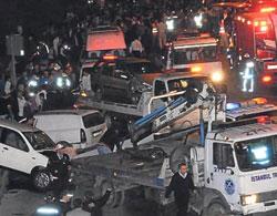 16 araç trafikte birbirine girdi