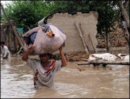 Şiddetli yağış: 128 ölü