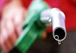 Benzinin litresi 4 TL'yi gördü