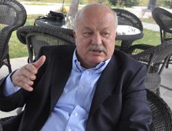 Sadri Şener'den Brozek'ler yorumu