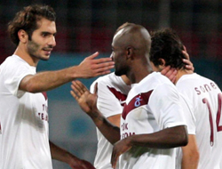 Trabzon Soner'e kol kanat gerdi