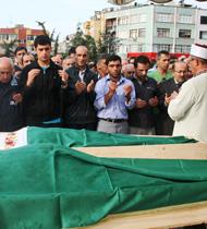 Kazada ölen Trabzonlu aile defnedildi!