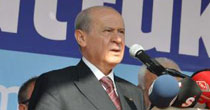 Hem AK Parti'yi, hem CHP'yi eleştirdi
