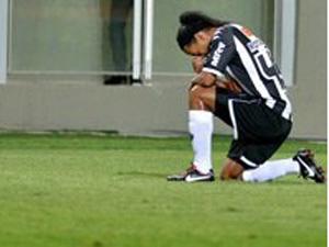 Ronaldinho gözyaşlarını tutamadı