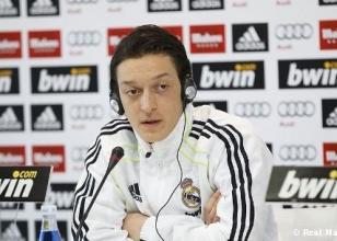 Mesut Özil'e 6 ay ceza