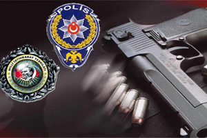 Polisin silahını aldı ve intihara kalkıştı