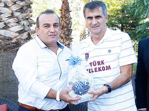 Nurettin Balaban'a kutlama