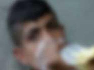 Tinerciler 12 yaşında çocuğa saldırdı!