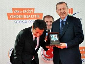 Erdoğan ile Acun gülme krizine girdi