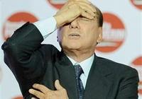 Berlusconi'ye dört yıl hapis !