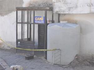 Cami tuvaletinde cinayet