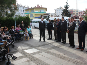 Giresun'da tekerlekli sandalye dağıtımı
