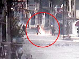 PKK gösterisinde polisi yaktılar