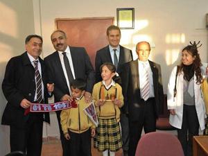 Trabzonsporlu Belediye Başkanına hediye