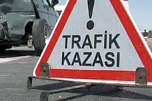 Trabzon Çömlekçi'de  bir araç takla attı