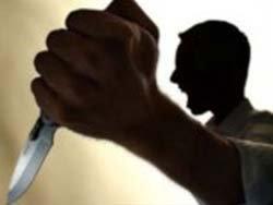 Tartıştığı kişiyi boynundan bıçakladı