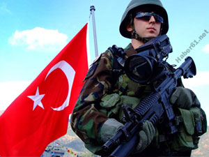 Mehmetçik Suriye sınırında tetikte