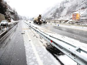 Trabzon'da kar yağışı kazaya sebep oldu