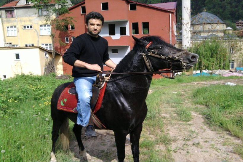 Trabzon'da 16 yıllık at sevgisi