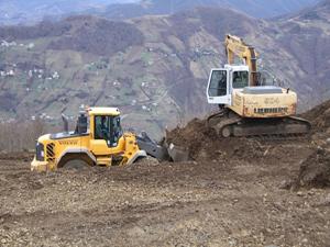 Akçaabat'ta dağ evlerinin yapımına başlandı