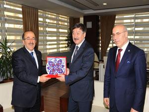 TÜRKSOY'dan Gümrükçüoğlu'na ziyeret