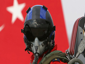 Türk Hava Kuvvetlerinden 100 istifa
