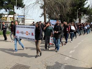 KTÜ'lü Öğrenciler Dolmuş Zamlarına tepkili