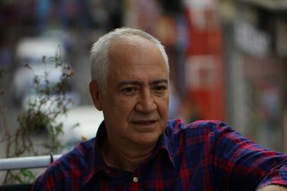 Hacısalihoğlu Avni Aker'e sahip çıktı