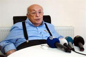 Süleyman Demirel hastanede