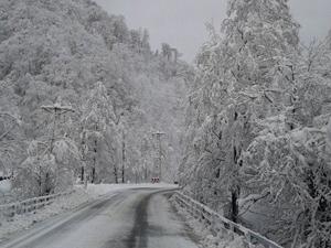 Kar, Karadeniz'de eğitimi aksattı!