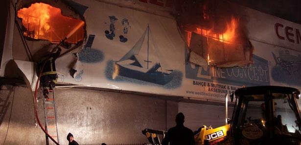 Yangını izlerken kaza yaptı!