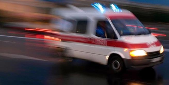 Minibüsle kamyon çarpıştı: 21 yaralı