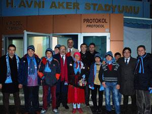 ilk kez Avni Aker'de maç izlediler