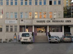 Trabzon'da okul karmaşası! Bir bina iki okul...