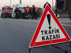 Muğla'da iki minibüs çarpıştı: 13 yaralı